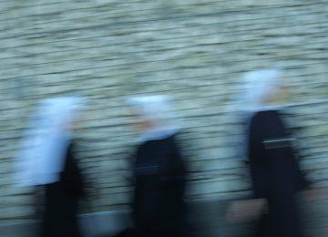 Nuns - Ferdo28 (Flickr)